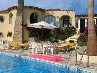 Near Jávea, Villa Amiga, UK TV, wifi, large pool - Benitachell vacation rentals