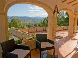 Javea, Villa Les Oliviers, lovely view, large pool - Oliva vacation rentals