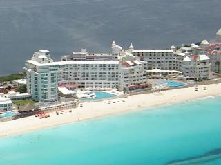 May Special - Cancun Plaza Ocean Front Condo - Cancun vacation rentals