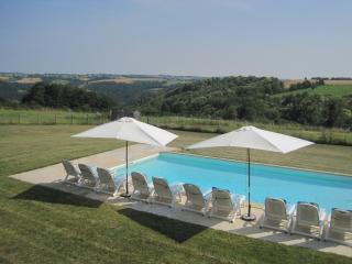 Aveyron farmhouse with pool - Aveyron vacation rentals