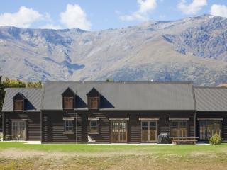 Black Cottage - Queenstown vacation rentals