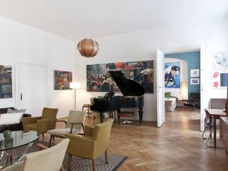 Stephansplatz 5 Star Deluxe Historic  Location !!! - Vienna vacation rentals