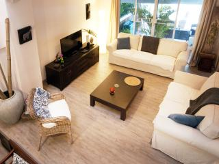 Lovely family house near the beach and golf - Nong Kae vacation rentals