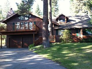 Tahoe City 3 BR, Sleeps 10, w/ Hot Tub & Large Master Suite - ONLY $1400/wk - Tahoe City vacation rentals