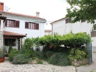 TH00436 House Peresiji / Two bedrooms A4b - Svetvincenat vacation rentals