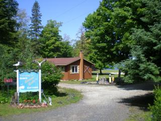 Cabin/cottages on Huron Bay, Upper Peninsula of MI - Hubbell vacation rentals
