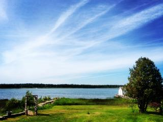 Memory Bay Cottage on Pike Bay, Bruce Peninsula - Bruce Peninsula vacation rentals