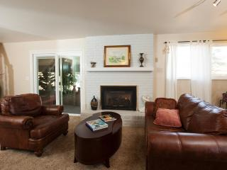 red rocks international house - Golden vacation rentals
