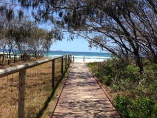 2-Bedroom Unit Across Rd from Gold Coast Beaches - Mermaid Waters vacation rentals