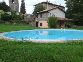 Casa La Lucertola con piscina - Bagni Di Lucca vacation rentals