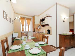 Apartment Marrucini - Rome vacation rentals