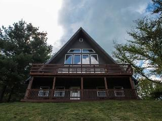 Hocking Hills Lodge Rental for Large Families - Logan vacation rentals