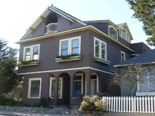 3105 The 17th Street House ~ Huge Home Perfect for Families, Reunions, Groups - Pacific Grove vacation rentals