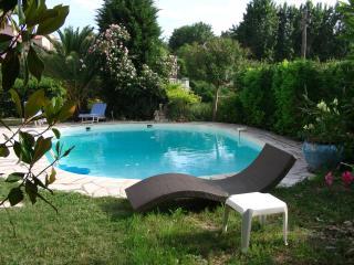 Villa les Pins - Le Rouret vacation rentals