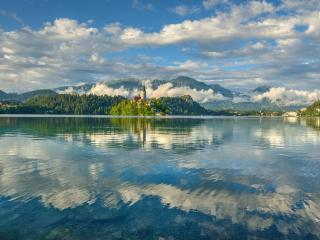 Quiet apartment Valant with garden and playground - Bled vacation rentals