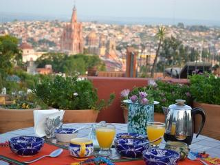 Mesmerizing Rooftop View of the Parroquia - Central Mexico and Gulf Coast vacation rentals