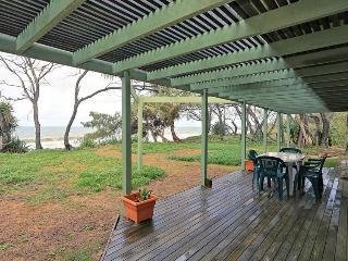 1 Coolanblue Avenue - Burnett Heads vacation rentals