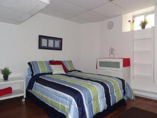 Conveniently Located Downtown Apt - Ottawa vacation rentals