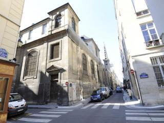Classic ACTORS CHOICE ***+ - Paris vacation rentals