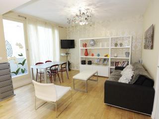 Classic SWEET VALENTINE **** - Paris vacation rentals