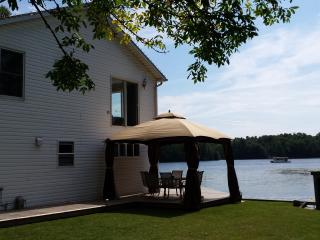 Thousand Islands Parkway Paradise - The Great Waterway vacation rentals