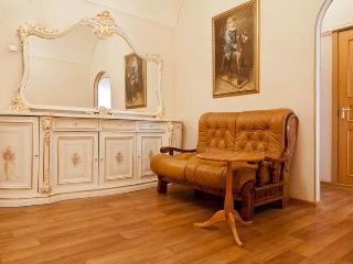 Classic style flat on Tverskaya - Moscow vacation rentals