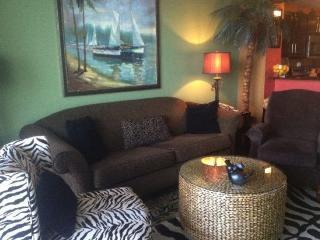 Lavish 1 bedroom at Calypso Resort comes with FREE BEACH CHAIR SERVICE! - Panama City Beach vacation rentals