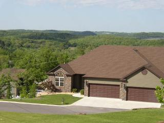 Lg. Luxury Executive Home;Groups/Reunions Pro Golf - Missouri vacation rentals