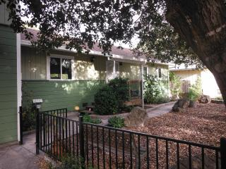 Sonoma Creek Cottage of Sonoma - 3 Bedroom - California Wine Country vacation rentals