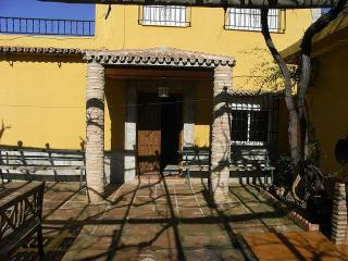 a nice villa sleeps 16 with great views in coin - Coin vacation rentals