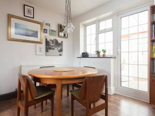 3 double bed home in East London - City Village - London vacation rentals