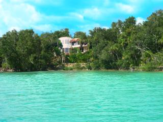 Maya Cala Lake Front Villa a Jewel in the Jungle o - Bacalar vacation rentals