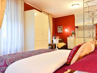 VILLA OLIVIA Luxury Old Town Red studio - Split vacation rentals