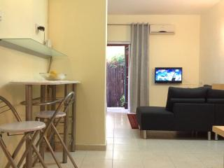 Comfortable apartment ASSUTA ha-Golan 112 - Tel Aviv vacation rentals