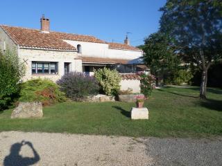B&B  Bien être en Vendée La Frise Chambre Andreane - Lucon vacation rentals