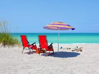 Only 150 yards to Crescent Beach and heated pool! - Siesta Key vacation rentals