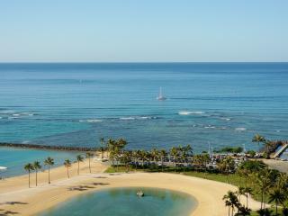 """KAMOANA""-Ocean View Beach Front - Honolulu vacation rentals"