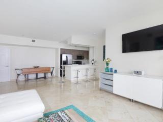 Oceanside 2 Bedroom Apartment in North Bay Village - Miami vacation rentals