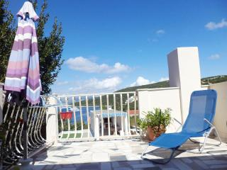 002-04-MAS B(2+1) - Maslinica - Maslinica vacation rentals