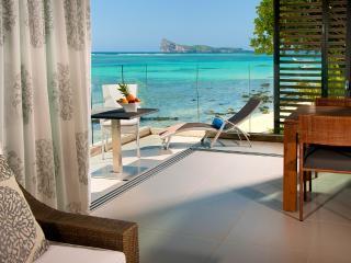 Amaranth 2, Ultimate Beachfront Apartment. - Belle Vue Maurel vacation rentals