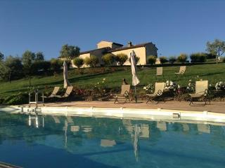 2 People Flat In Restored Farmhouse In S.gimignano - San Gimignano vacation rentals