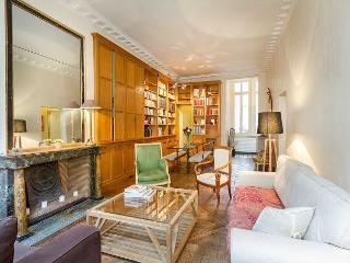 Charming and Spacious Marais 2 Bedroom - Saone-et-Loire vacation rentals