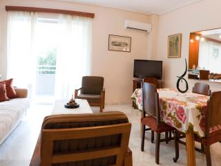 A Homely 1 Bdr Apt 350m from Beach - Greater Athens vacation rentals