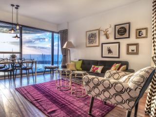 LUXURY 5* apt. 25m from the beach! - Tel Aviv District vacation rentals