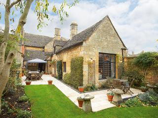 Rose & Crown House - Cotswolds vacation rentals