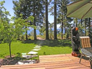 Burch Tahoe Lakefront - Hot Tub & Dog Friendly - Kings Beach vacation rentals