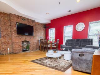 Amazing 3 Bedroom / Sleep 8 / Duplex - New York City vacation rentals