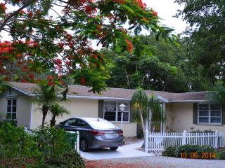 Coastal Cottage in Tropical Garden Paradise - Englewood vacation rentals