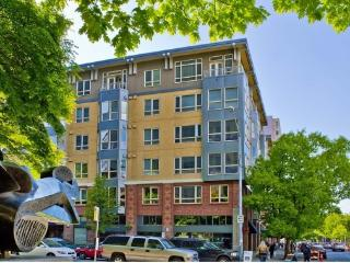 2 Bedroom Near Space Needle & Pike Place, Parking - Seattle vacation rentals