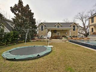 2BR/2BA Rustic, Quality House, Infinity Pool,Trampoline, West Campus, Sleeps6 - Austin vacation rentals